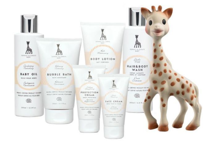 Sophie_La_Giraffe_Baby_range_with_Sophie-800x800